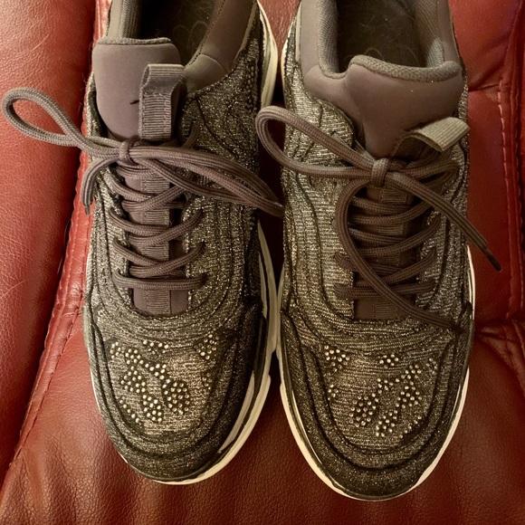Jessica Simpson platform sneakers